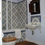 chateau-des-etoiles-bathroom1