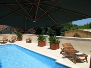 chateau-des-etoiles-swimming-pool