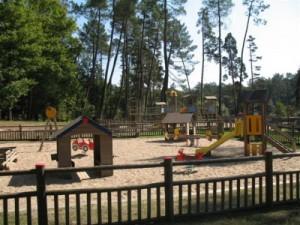 chateau-des-etoiles-local-playground